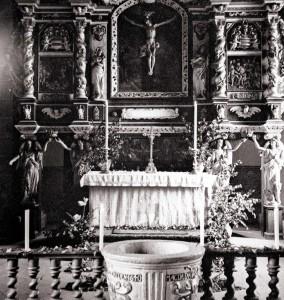 altar_bw_abgestuft_klein